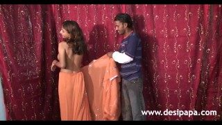 Desi Sex Video of Married Indian Couple Bunk Fucking